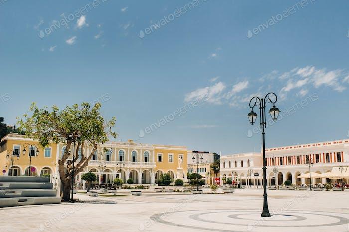 Закинф, Главная площадь в старом городе Закинф, Греция/Остров Закинф