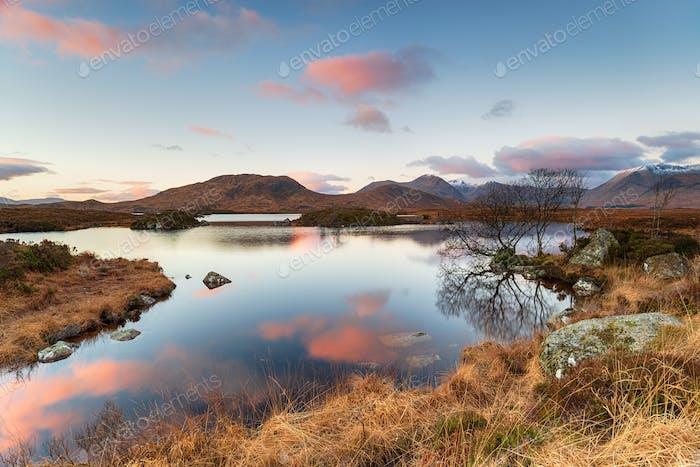 Sonnenaufgang bei Lochan na h-Achlaise