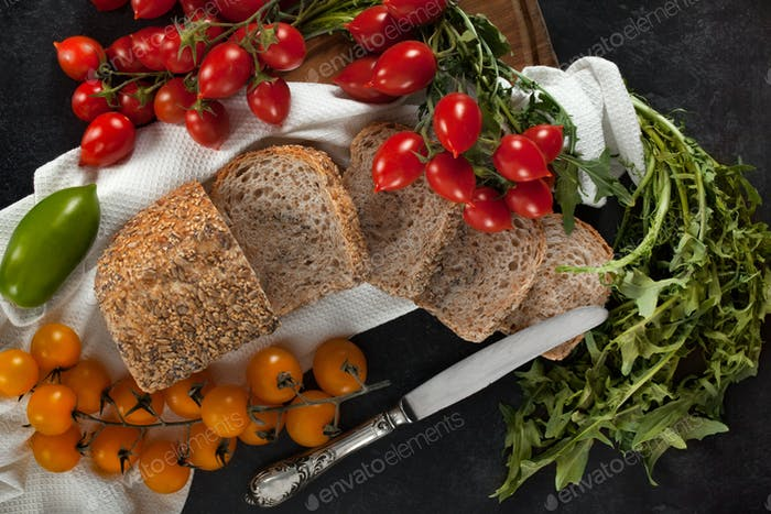 Seeded Wholemeal Loaf With Tomatoes And Chicory