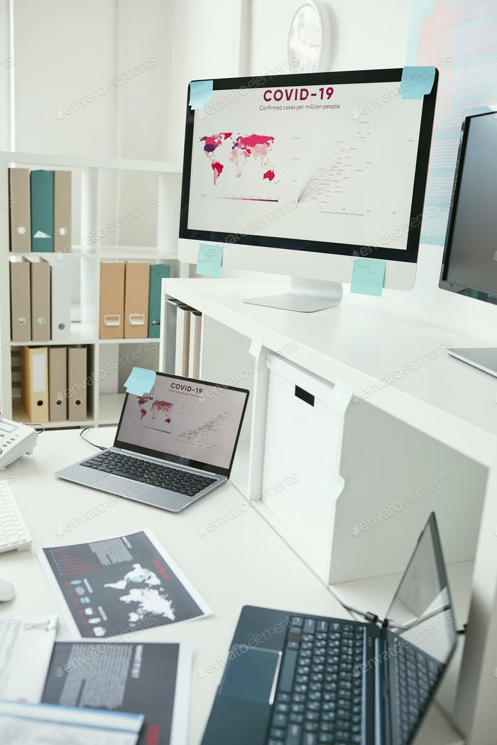 Lugar de trabajo con computadoras