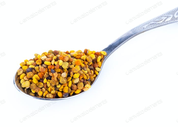 bee pollen and spoon