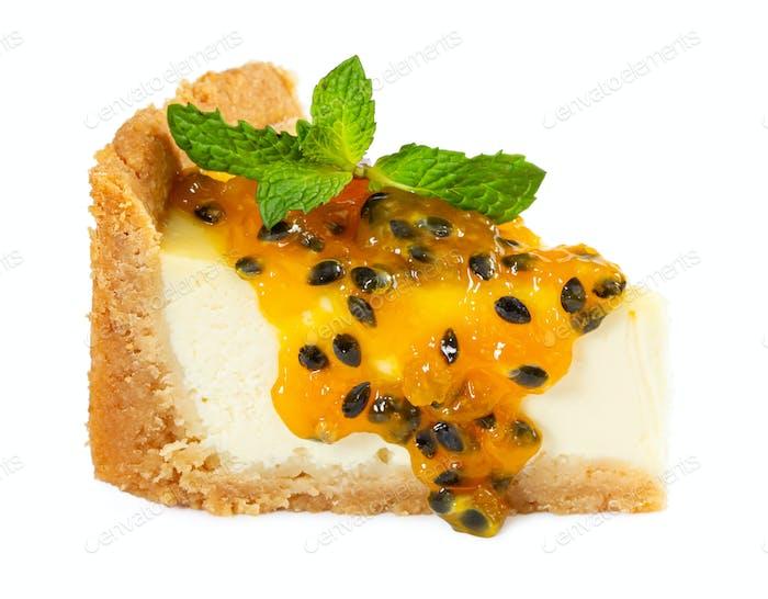 Käsekuchen mit Maracuja Marmelade und Minze