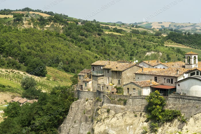Panoramic view of Linaro, old village of Emilia Romagna