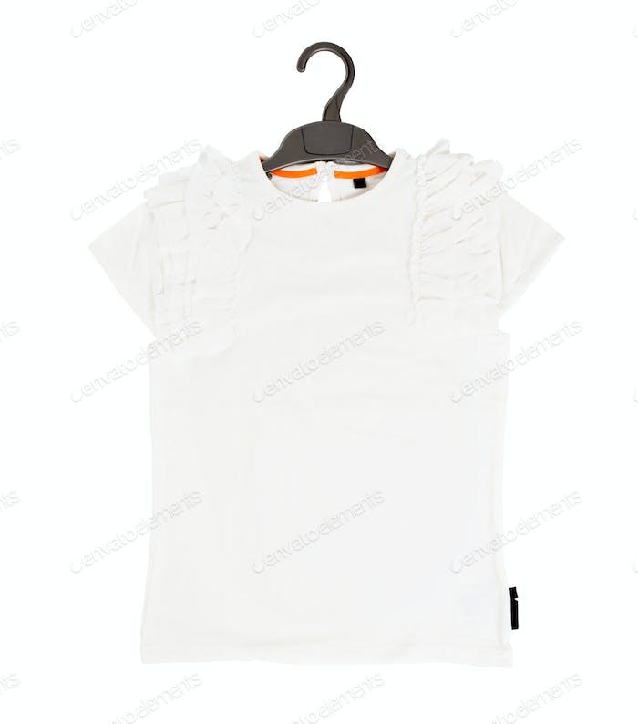 Weißes T-Shirt aus Baumwolle mit Rüschen.