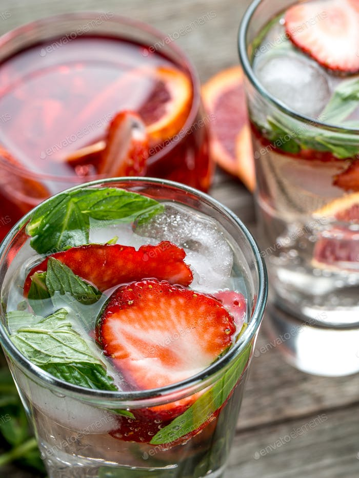 Strawberry mint cocktails