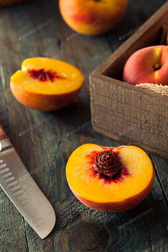 Raw Organic Yellow Peaches