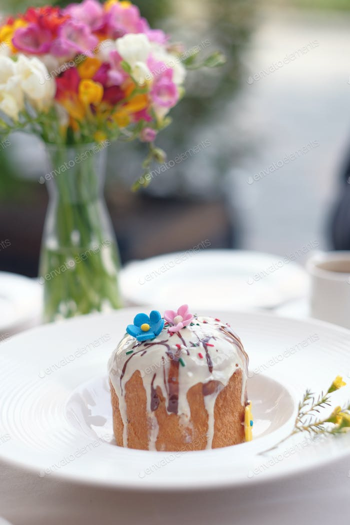 Traditional easter cake at restaurant table