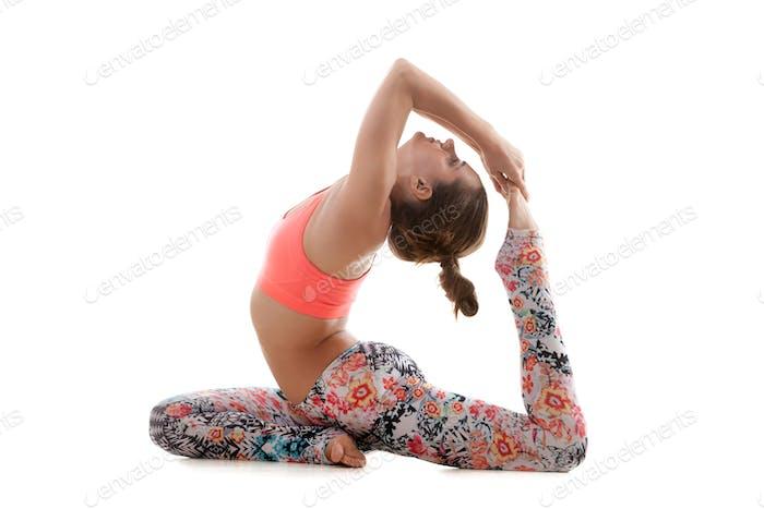 Yoga pose eka pada radjakapotasana