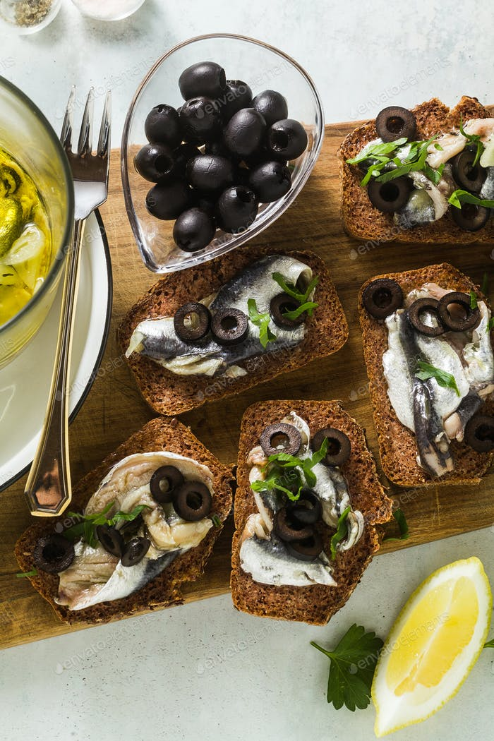 sandwiches with sardines marinated in olive oil