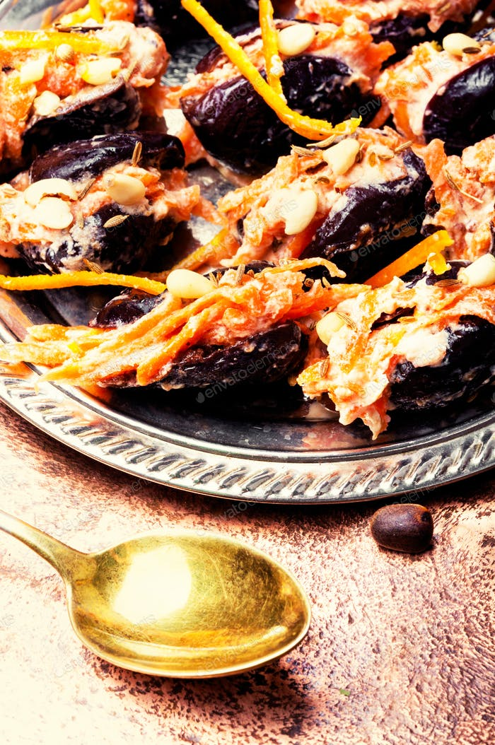 Prunes with walnut