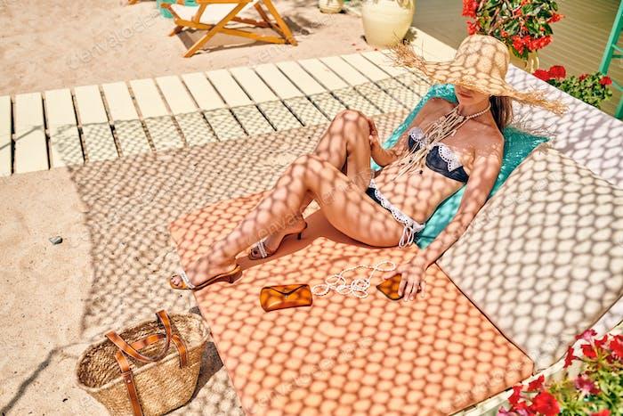 Mujer en bikini en Playa