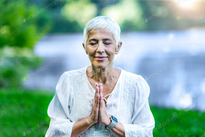 Practicing gratefulness through meditation