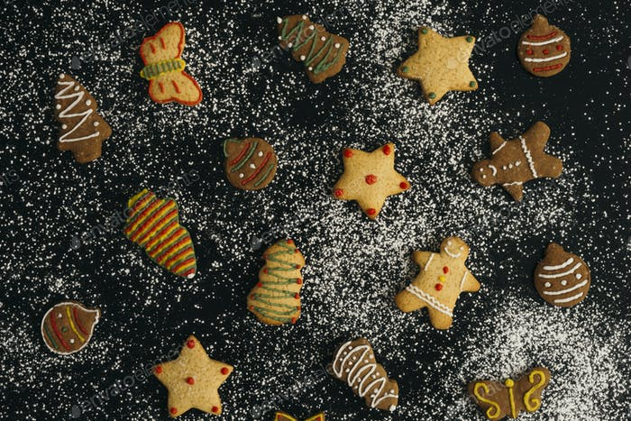 Gingerbread Christmas holiday cookies with snow