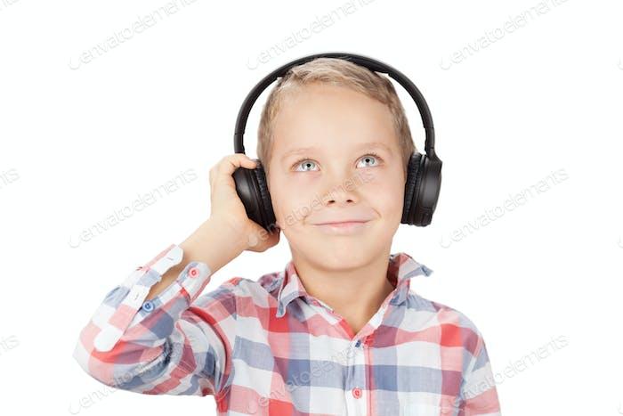 Junge Musik hören