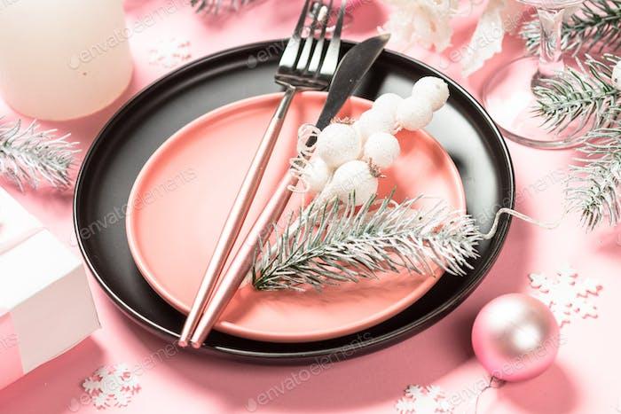 Weihnachtstisch Einstellung auf rosa