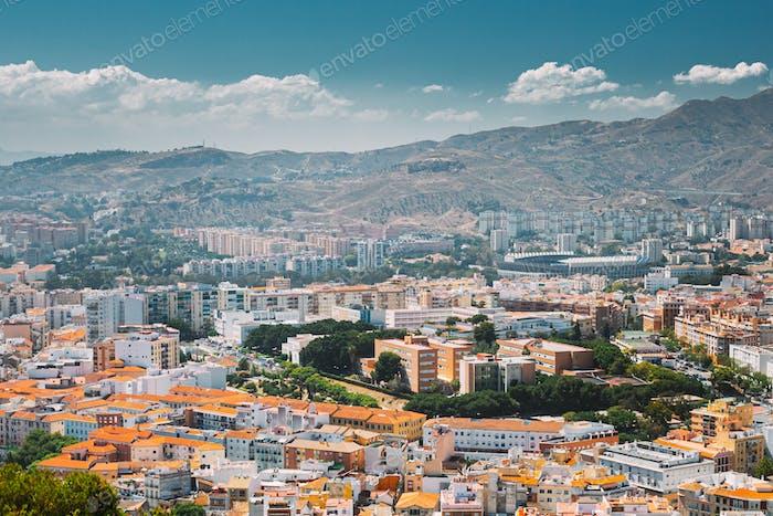 Malaga, Spanien. Wohnhäuser in Malaga, Spanien. Skyline. Erhöhte Ansicht
