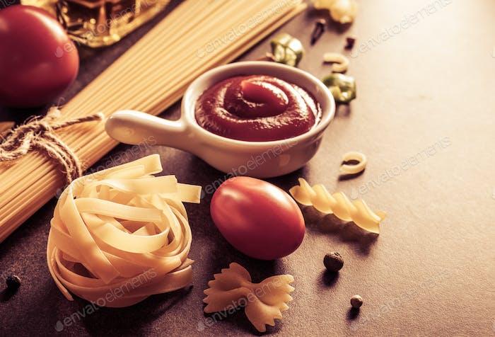 Pasta und Lebensmittelzutat