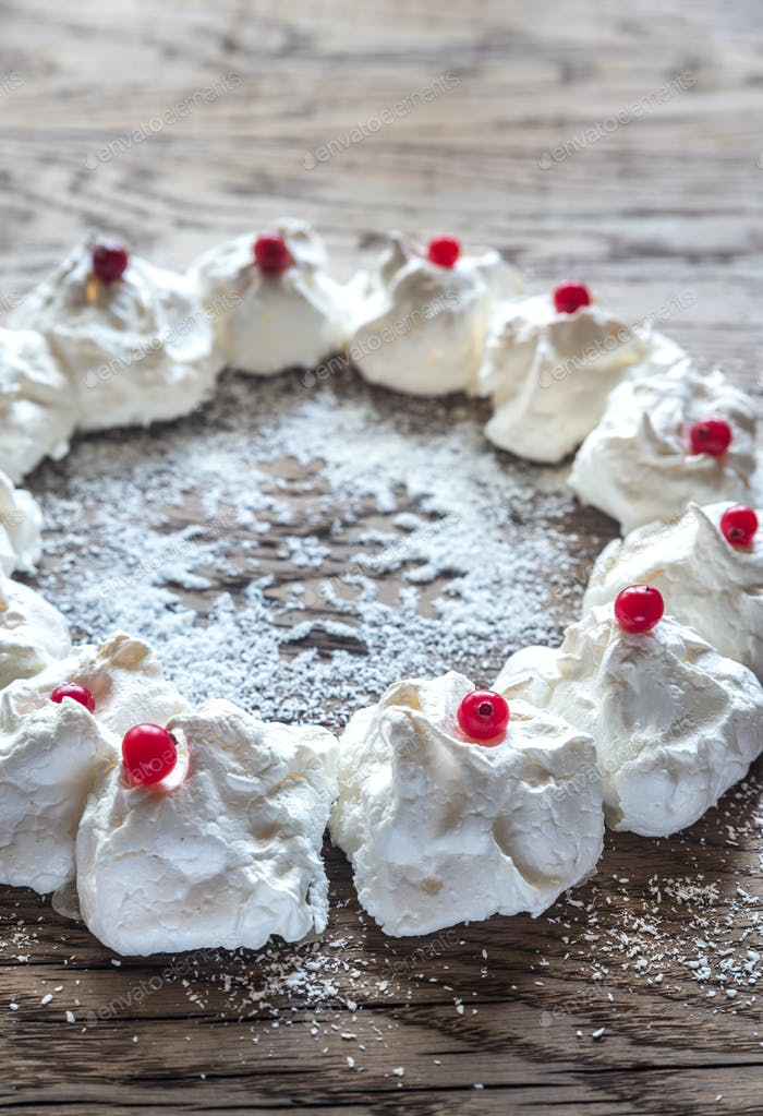 Meringue Christmas wreath