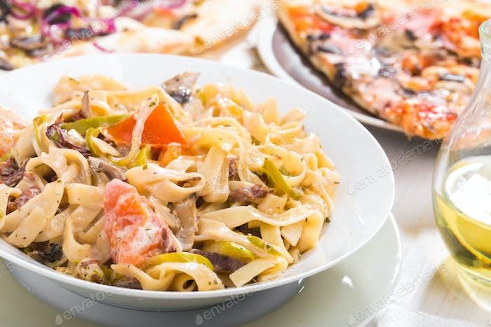 italienische Küche Pasta und Pizza