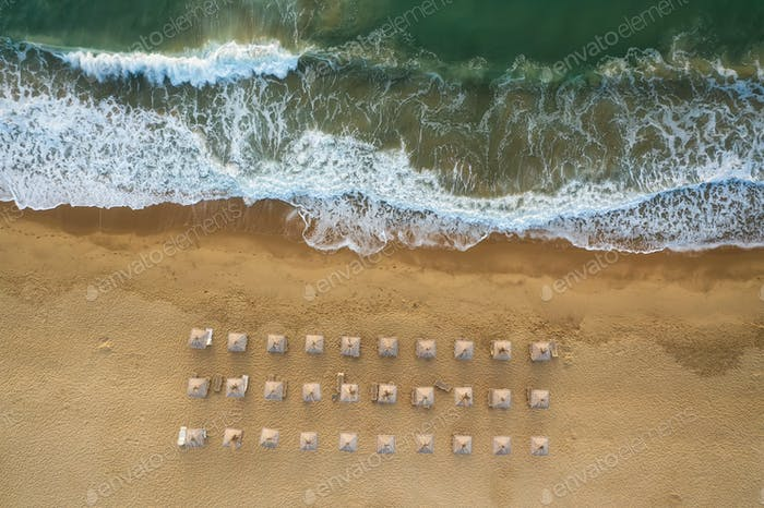 Por encima de las olas