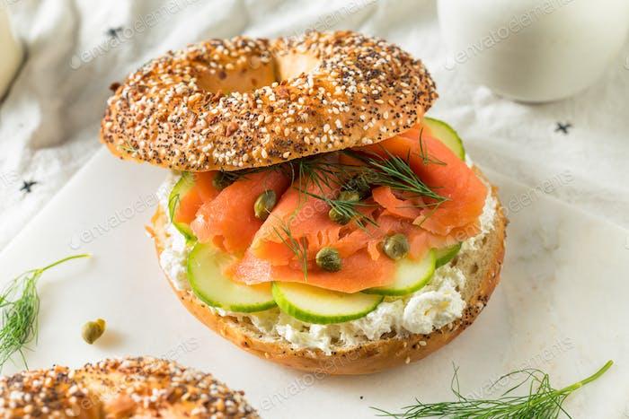 Hausgemachtes Salmond Lox Sandwich