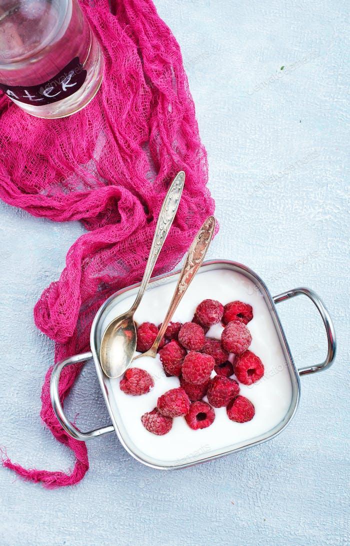 desert with raspberry