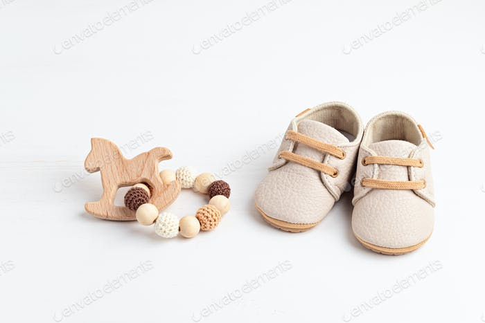 Gender neutral baby shoes and accessories. Organic newborn fashion