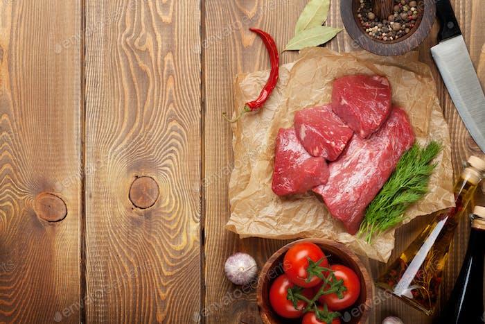 Rohfilet Rindfleisch Steak und Gewürze