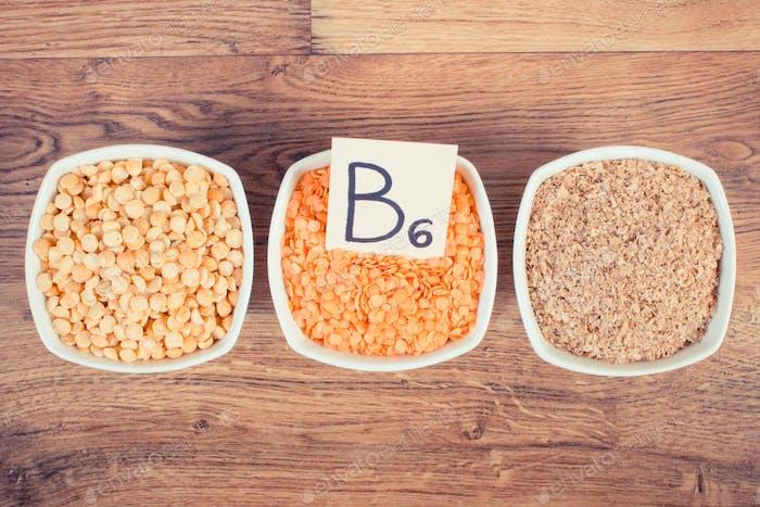Produkte und Inhaltsstoffe, die Vitamin B6 und Ballaststoffe enthalten, gesunde Ernährung Konzept