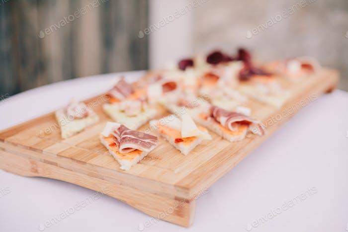 leckere Käse und Speck Vorspeise