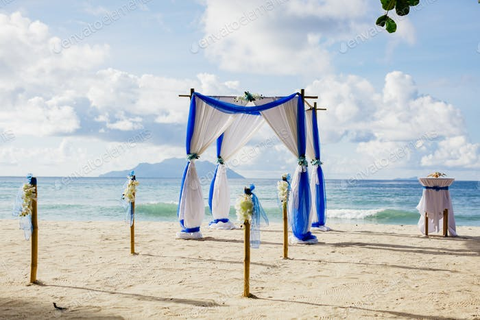 beach wedding ceremony arch decoration