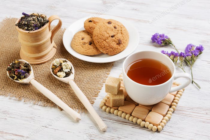 Herbal tea and cookies