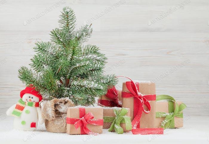 Weihnachtsgrußkarte mit Tannenbaum, Geschenkboxen