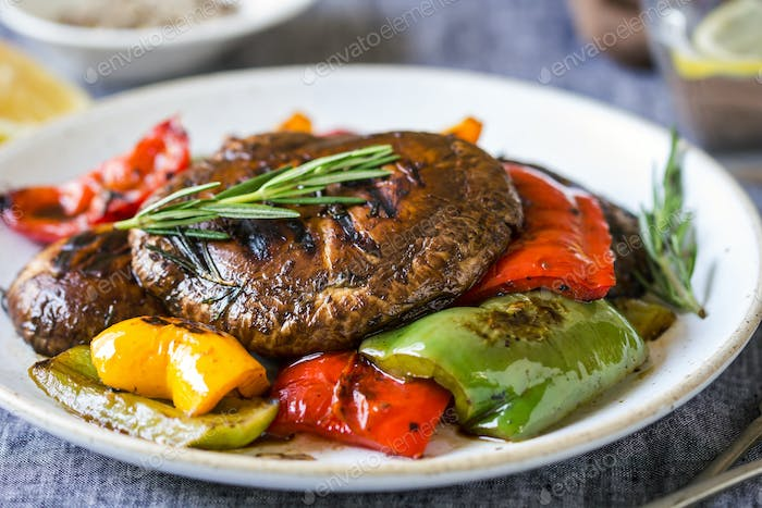 Grilled Portobello mushroom ,Bell pepper with Balsamic