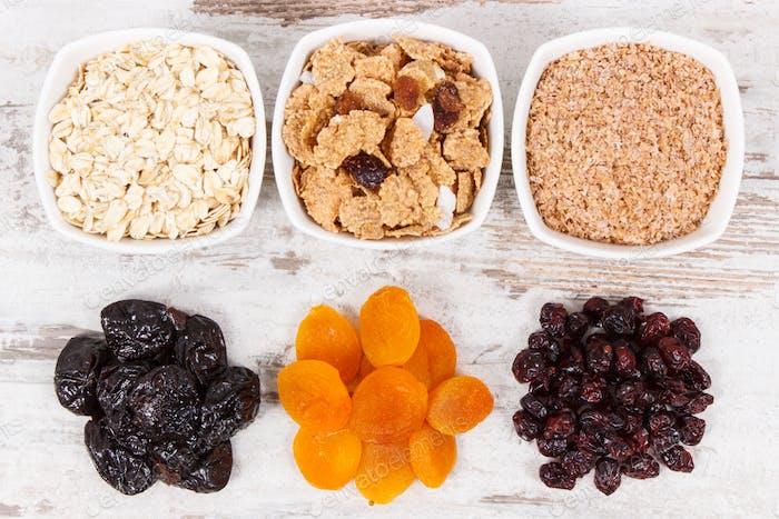 Zutaten als Quelle natürliche Vitamine und Ballaststoffe, gesunde Ernährung Konzept