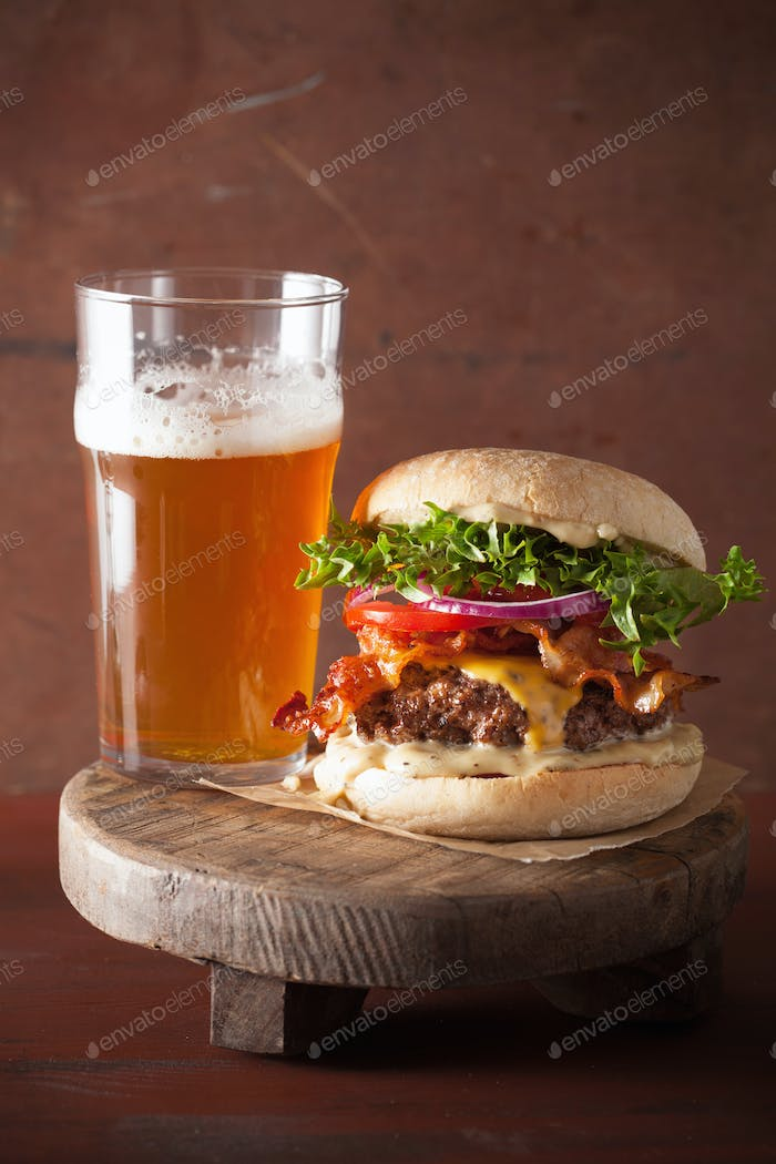 bacon cheese burger with beef patty tomato onion beer