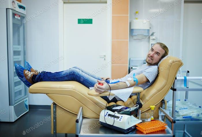Hilfe bei der Hämotransfusion
