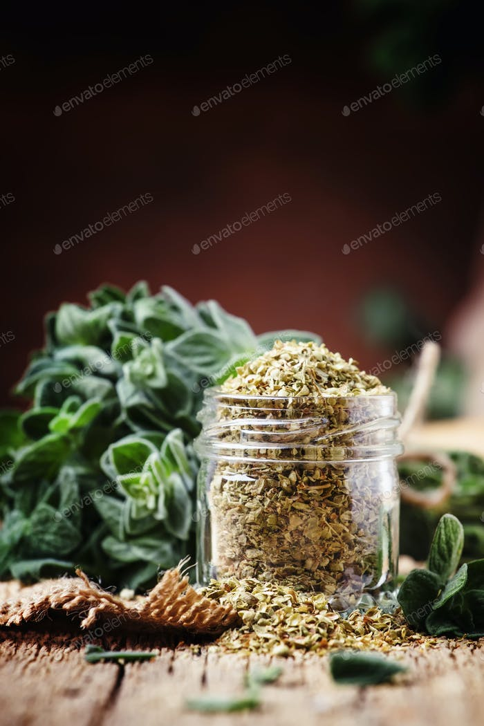 Dried and fresh oregano