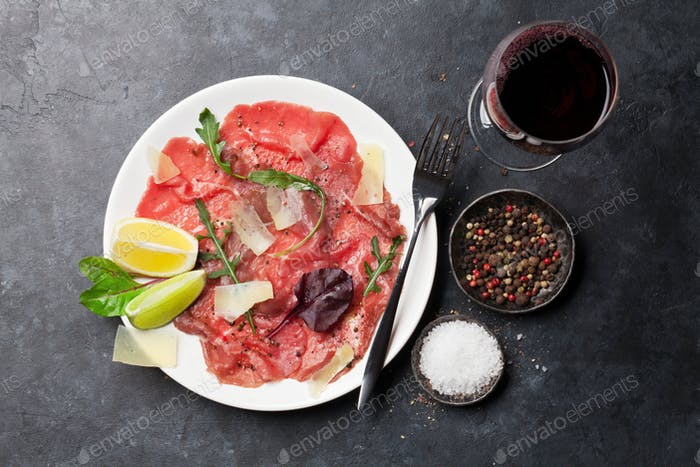 Marbled beef carpaccio and red wine