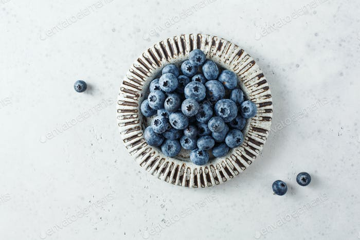 Fresh blueberries in a bowl