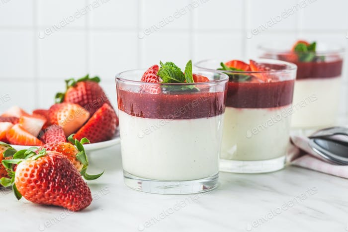 Italian dessert panna cotta with strawberries