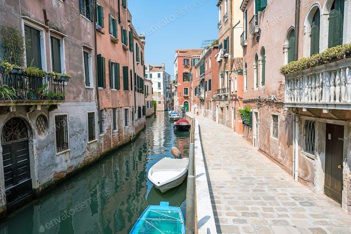 Kleiner Kanal in der Altstadt