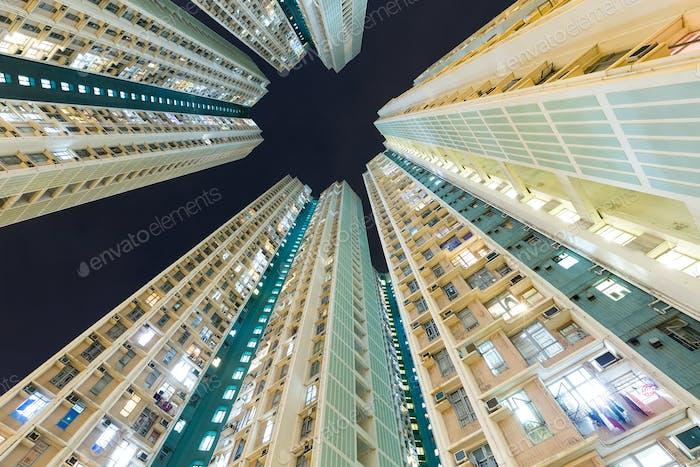 Gebäude aus tiefem Winkel