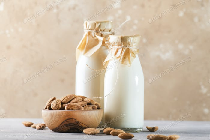 Vegane Mandelmilch