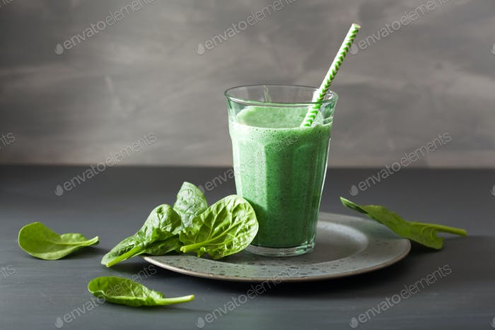 green spinach smoothie with spirulina, chia seed, lime, apple
