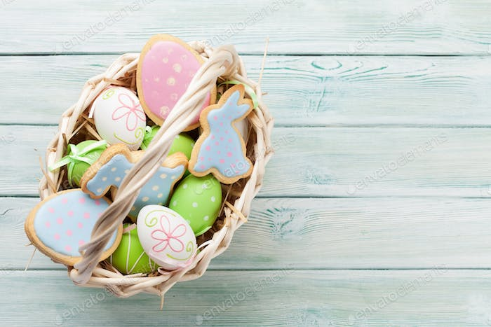 Easter gingerbread cookies and eggs