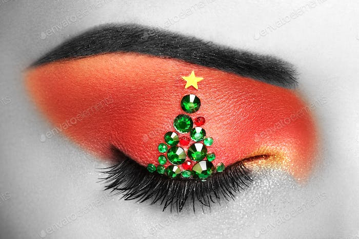 Eye girl makeover christmas tree