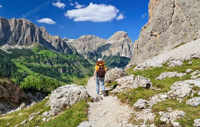 Dolomiti - hiking in Badia Valley