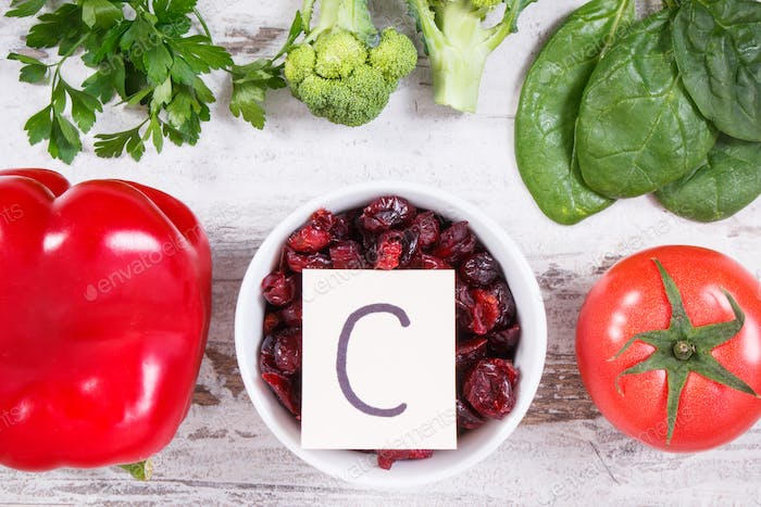 Fresh ripe fruits and vegetables as sources vitamin C, fiber and minerals, strengthening immunity