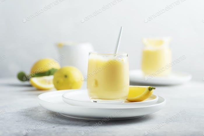 Sweet lemon curd